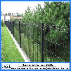Cheap pvc coated welded metal garden fence panel