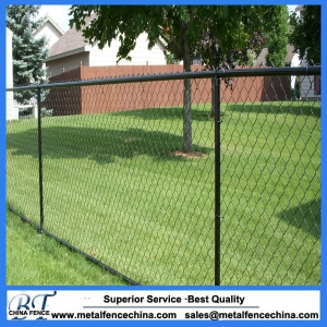 Galvanized heavy chain link fence